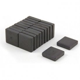 19 x 19 x 5mm thick Y10 Ferrite Magnets - 0.48kg Pull (Pack of 200)