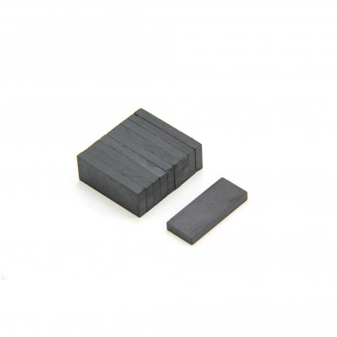 25 x 10 x 3mm thick Y30BH Ferrite Magnet - 0.44kg Pull