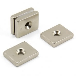25 x 20 x 5mm thick x 4.5mm c/s N42 Neodymium Magnet - 9.8kg Pull