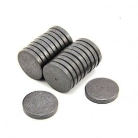 30mm dia x 5mm thick Y10 Ferrite Magnet - 1.1kg Pull (Pack of 20)