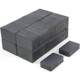 40 x 25 x 10mm thick Y30BH Ferrite Magnet - 3kg Pull (Pack of 100)