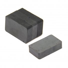 40 x 25 x 10mm thick Y30BH Ferrite Magnet - 3kg Pull (Pack of 4)